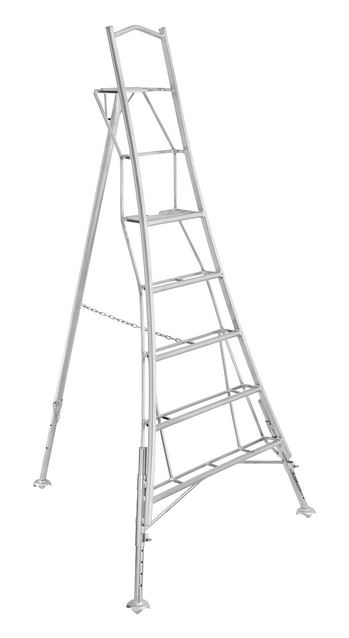 Henchman 3 leg adjustable platform tripod ladders
